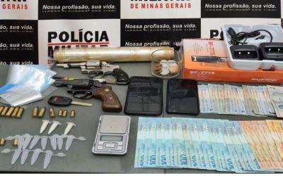 Bom Despacho – PM apreende/prende quatro suspeitos e retira de circulação duas armas de fogo e drogas